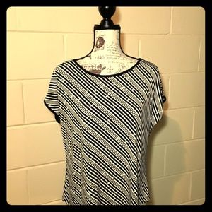 Notations black and white tunic sz XL